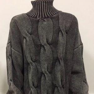 525 Grey Sweater Small ❄️🔥